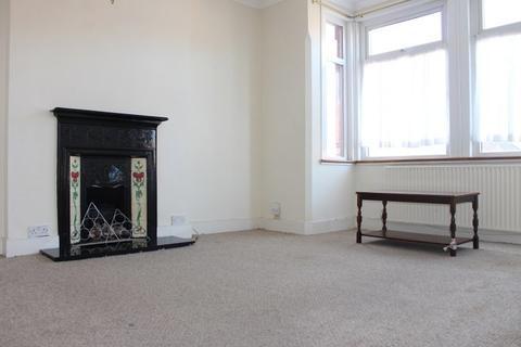 2 bedroom flat to rent - Longley Road, Harrow