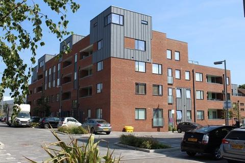 Studio to rent - Ladysmith Road, Harrow