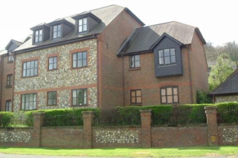 2 bedroom apartment to rent - Dolphin Court, Kingsmead Road, Loudwater, High Wycombe, Buckinghamshire, HP11