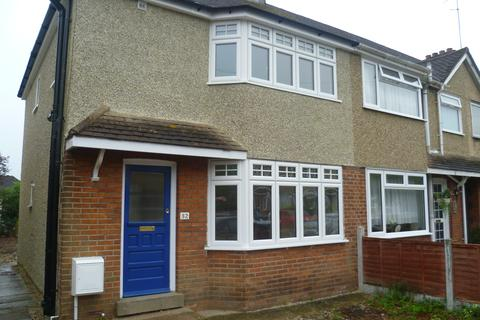 3 bedroom semi-detached house to rent - Yarwood Road, Chlmsford CM2
