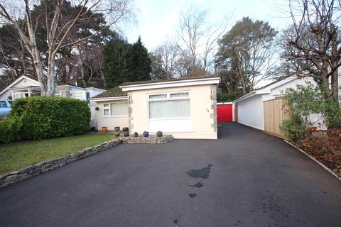 3 bedroom detached bungalow for sale - Gladelands Way, Broadstone