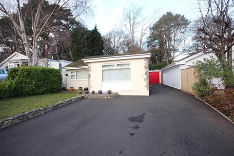 3 bedroom detached bungalow for sale - Gladelands Way, Broadstone