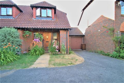 1 bedroom semi-detached house for sale - Benedict Close, Halling, Rochester