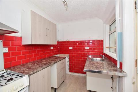2 bedroom cottage for sale - Whiteway Road, Queenborough, Kent