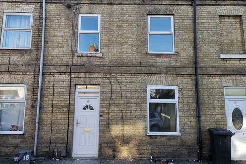 3 bedroom terraced house to rent - Eastfield, Peterborough