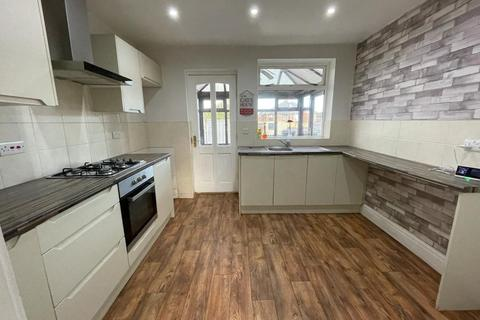3 bedroom semi-detached house to rent - Laxey Crescent, Leigh , Wigan