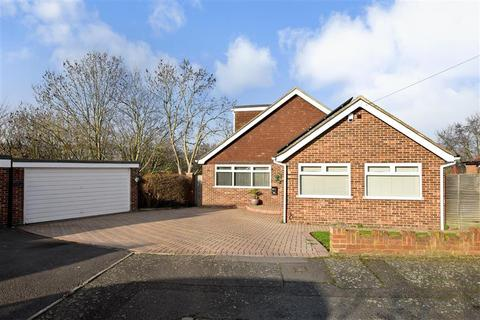 2 bedroom detached bungalow for sale - Gorham Close, Snodland, Kent