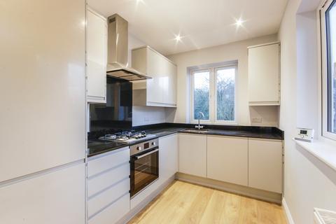 3 bedroom flat to rent - Shrewsbury Lane, London, SE18