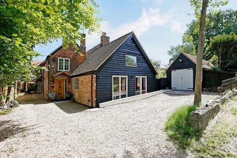 4 bedroom cottage to rent - The Row, Lane End, HP14 3JS