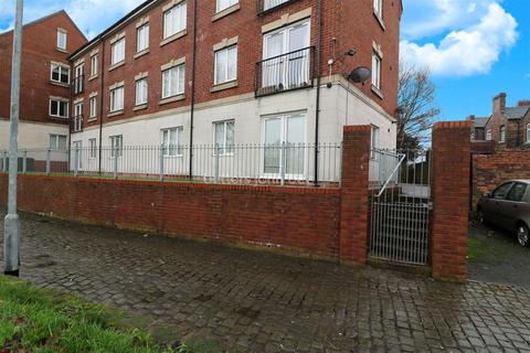2 bedroom flat for sale - Birches Rise, Birches Head