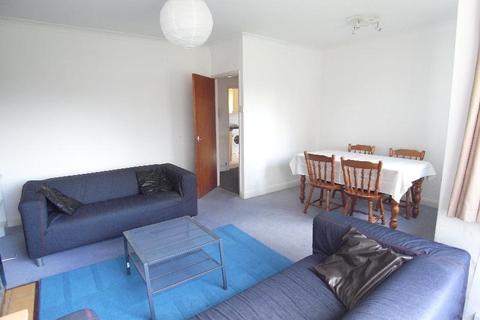 2 bedroom flat to rent - SANDRINGHAM WAY, MOORTOWN, LEEDS LS17 8BX