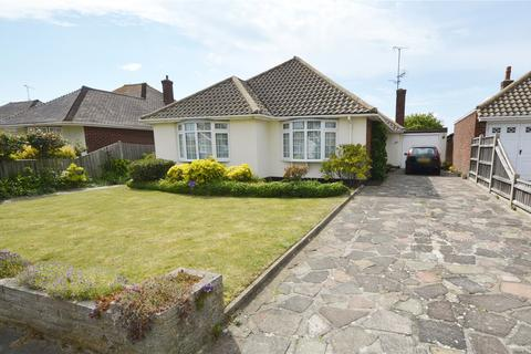 3 bedroom detached bungalow for sale - Dungannon Drive, Thorpe Bay, Essex, SS1