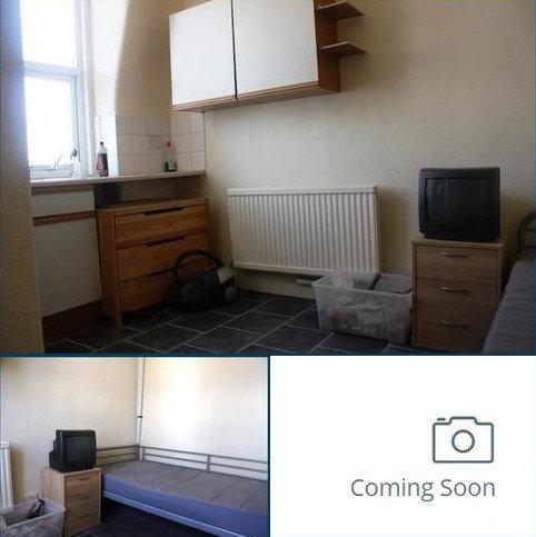 Studio to rent - Grand Parade, Green Lanes, Haringey, London N4