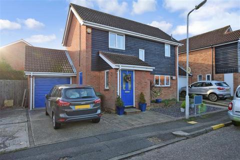 3 bedroom detached house for sale - Menzies Avenue, Basildon, Essex