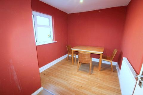 3 bedroom apartment to rent - Shooters Hill, Plumstead, London, SE18