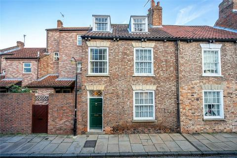 4 bedroom end of terrace house for sale - Aldwark, York