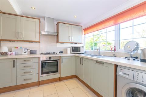 2 bedroom bungalow for sale - Elmete Avenue, Scholes, Leeds, West Yorkshire, LS15