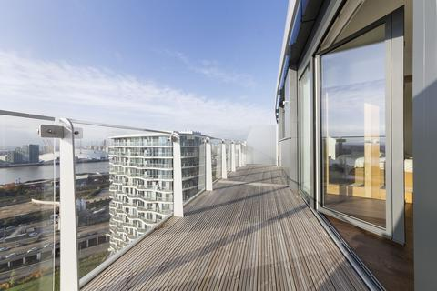 1 bedroom apartment to rent - Gateway Tower, 28 Western Gateway, Royal Victoria, Royal Victoria, London, E16