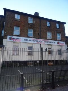 Studio to rent - London Road, Croydon CR0
