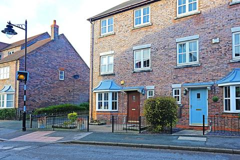 4 bedroom semi-detached house for sale - Dickens Heath Road, Solihull