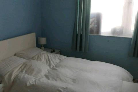 1 bedroom house share to rent - Grovebury Road