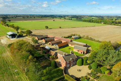 Property for sale - Lot 1 - Hickling Estate, Whinmere Farm & 1, 2, 3 Whinmere Cottages, Whinmere Road, Norwich, Norfolk, NR12 0BA