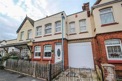 3 bedroom semi-detached house for sale - Oxford Road, Clacton-on-Sea