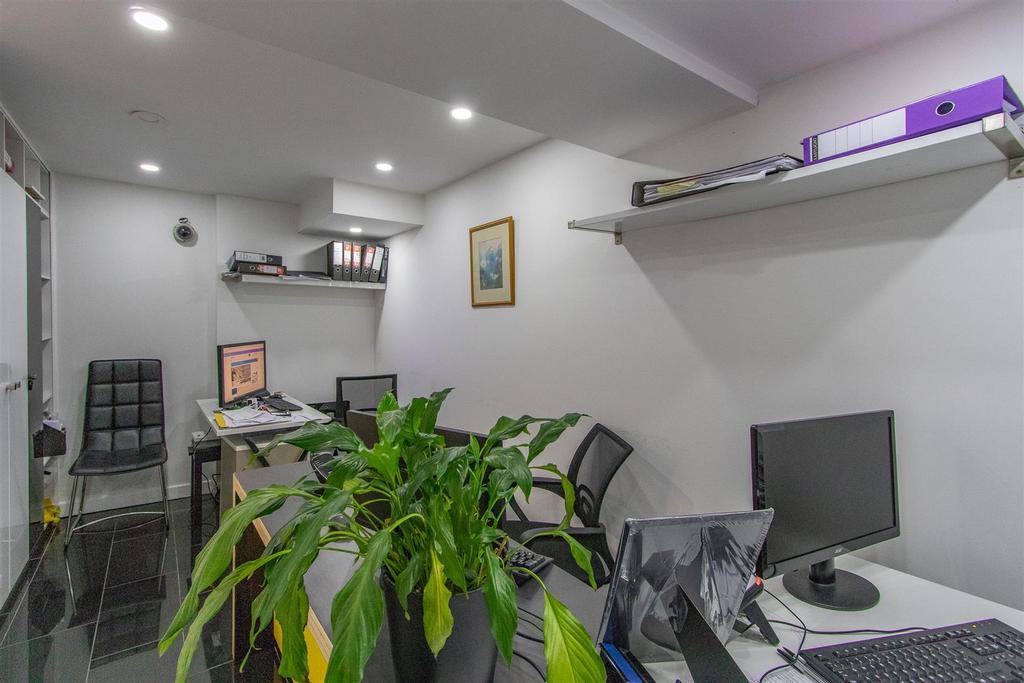 JNR Office 6.jpg