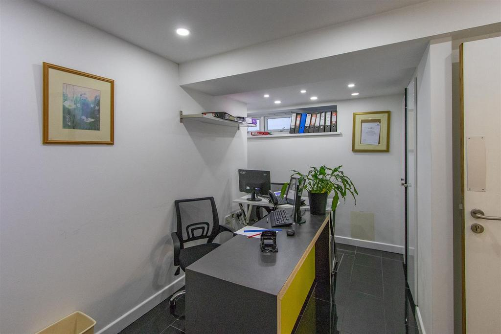 JNR Office 7.jpg