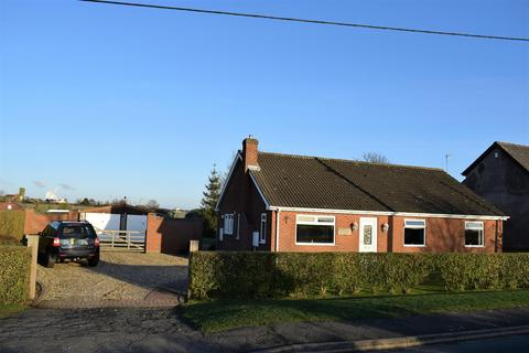 3 bedroom bungalow for sale - Kettleby Lane, Wrawby