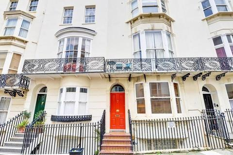 2 bedroom flat to rent - Bloomsbury Place, Brighton, BN2 1DA