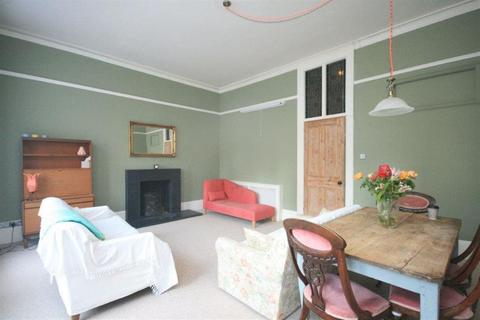 1 bedroom flat to rent - Charleville Road, W14