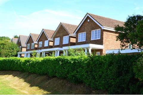 4 bedroom detached house to rent - Oakley Road, Keston