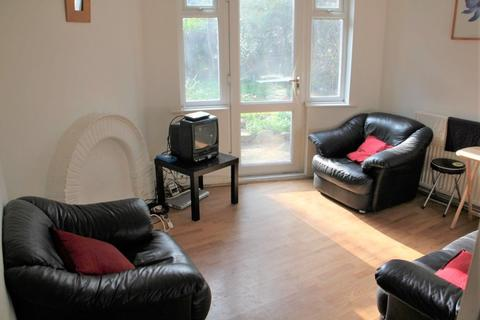 3 bedroom detached house to rent - Drummond Ave, Headingley, LS16 5JZ