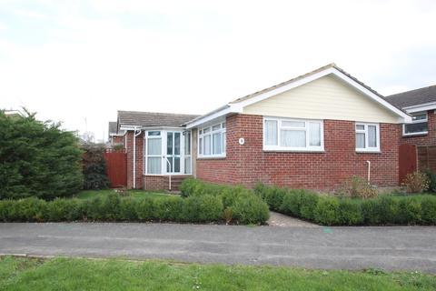 3 bedroom detached bungalow for sale - Bellecroft Drive, Newport