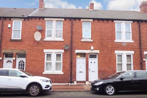 2 bedroom ground floor flat for sale - Commercial Road, Byker, Newcastle upon Tyne, Tyne and Wear, NE6 2ED
