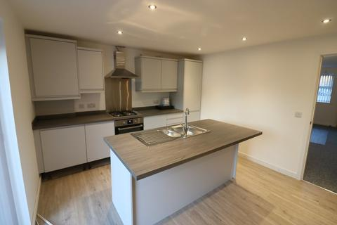 3 bedroom detached house to rent - 200 Gower Road