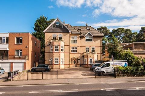 2 bedroom apartment to rent - Flat 1, 28a Manor Road, BH1 3EZ