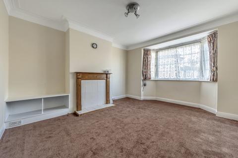 2 bedroom flat to rent - Chinbrook Crescent London SE12