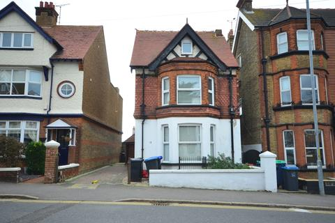 2 bedroom apartment to rent - Queens Road Broadstairs CT10