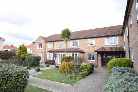 1 bedroom ground floor flat for sale - Havenvale, Coppins Road, Clacton-on-Sea