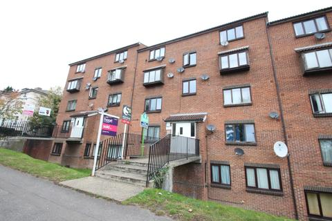 1 bedroom flat to rent - Carrie House, Lesley Place, Buckland Hill, Maidstone, Kent, ME16
