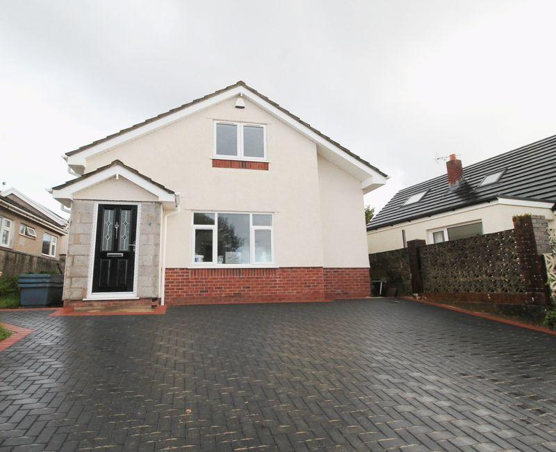 3 Bedrooms Detached Bungalow for sale in Manor Hill, Miskin CF72 8JP