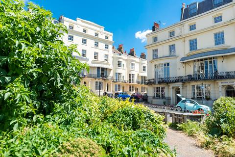 3 bedroom apartment for sale - Regency Square, Brighton, BN1