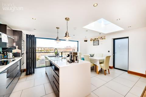 4 bedroom bungalow for sale - Millcroft, Brighton, East Sussex, BN1
