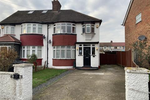 3 bedroom semi-detached house for sale - Burnham Gardens, Hayes, UB3