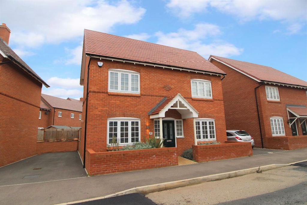 3 Bedrooms Detached House for sale in Danegeld Avenue, Great Denham MK40