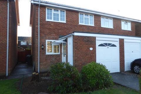 3 bedroom semi-detached house to rent - Marden