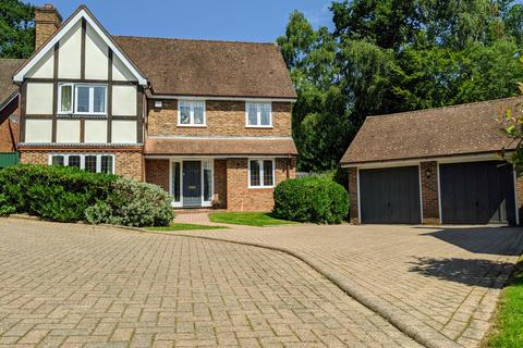 5 bedroom detached house to rent - Tudor Hill, Sutton Coldfield