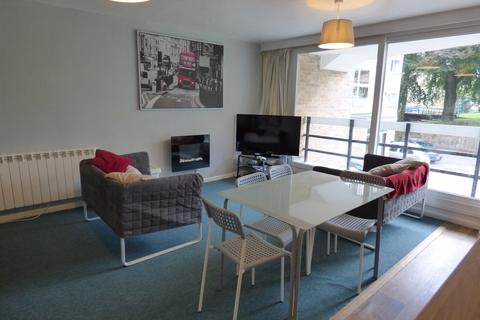 4 bedroom apartment to rent - Northlands Drive, Winchester